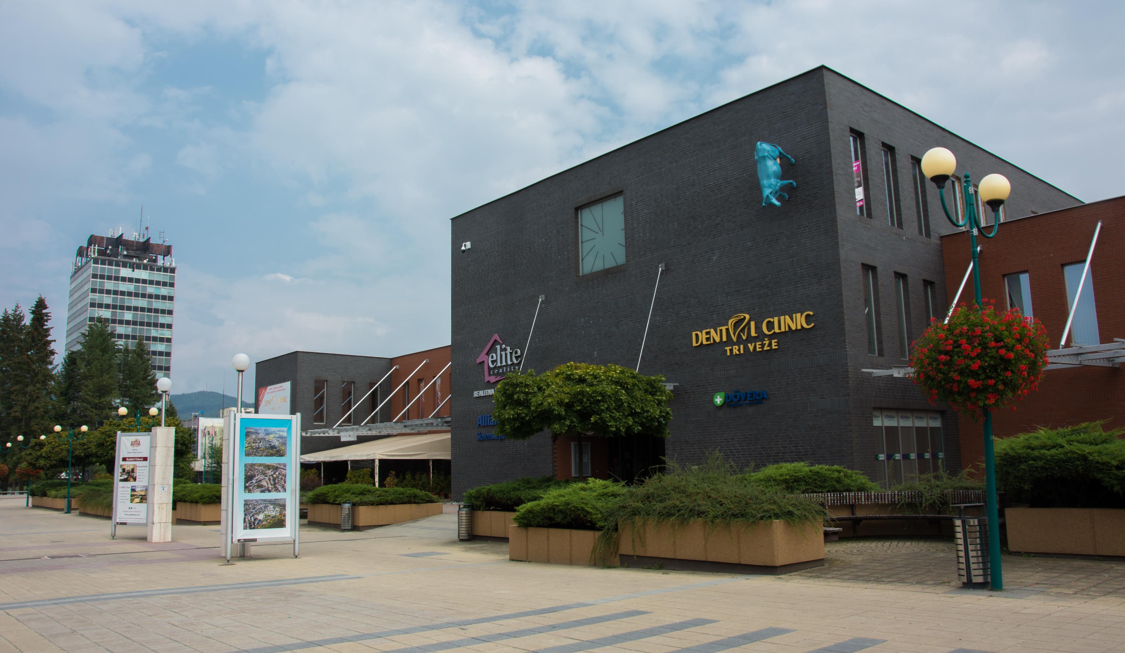 budova dental clinic tri veže