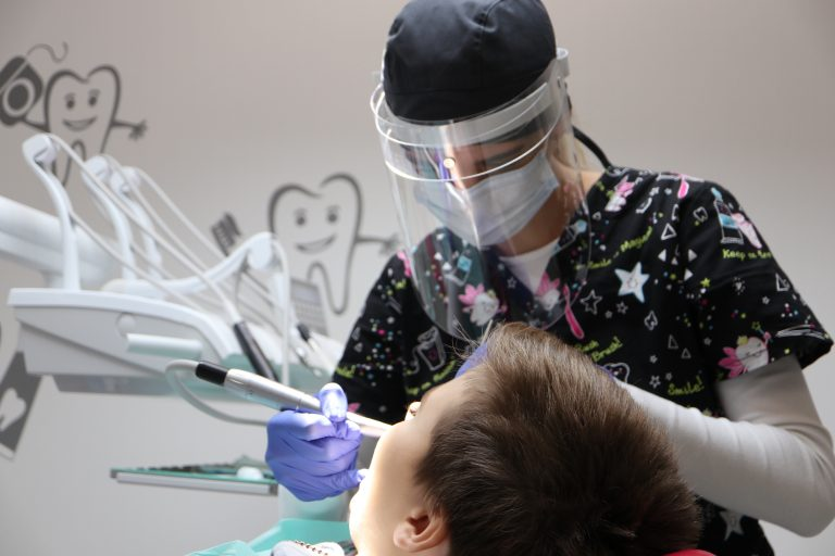 dentálna hygienička